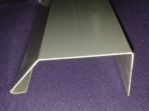 Perfil de Coronación SATE de aluminio lacado.